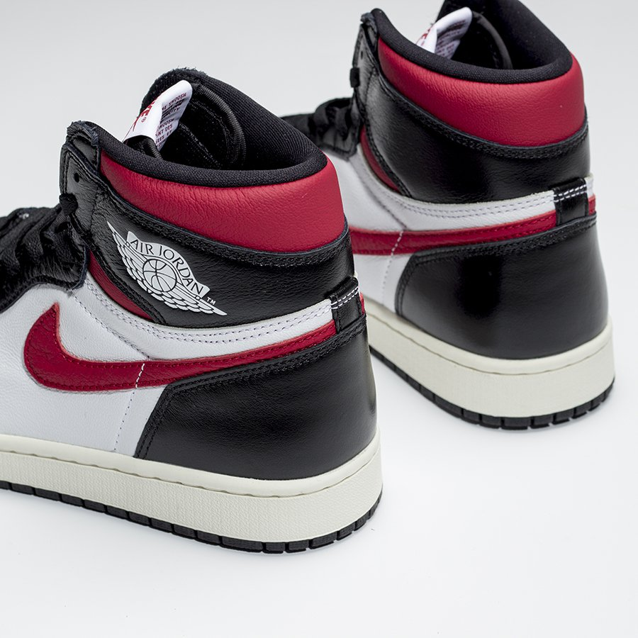 f:id:sneakerscaffetokyo:20190625075822j:plain
