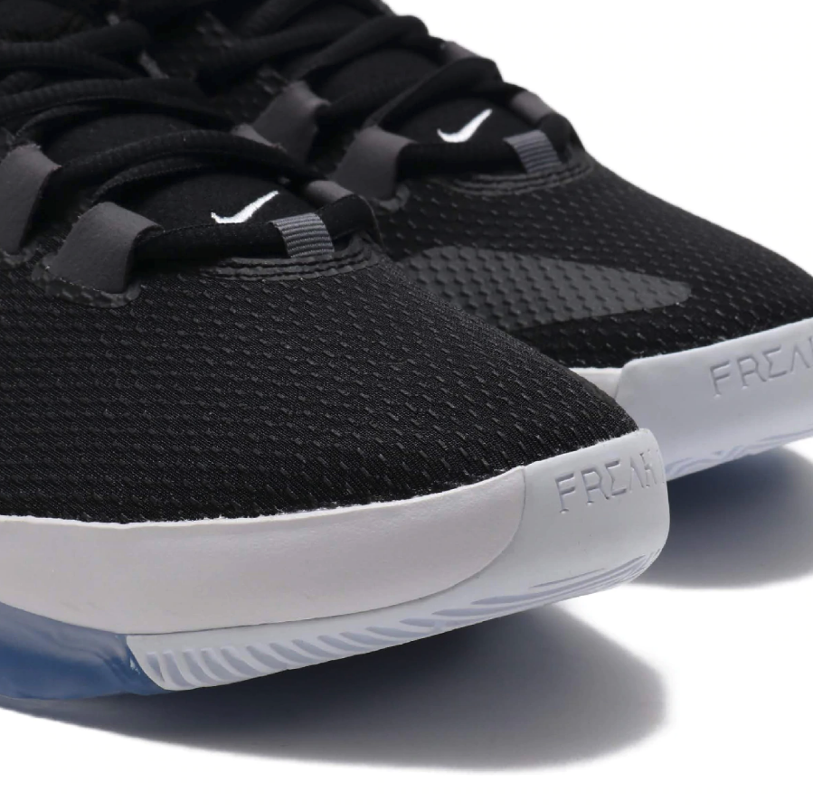 f:id:sneakerscaffetokyo:20190702144444p:plain