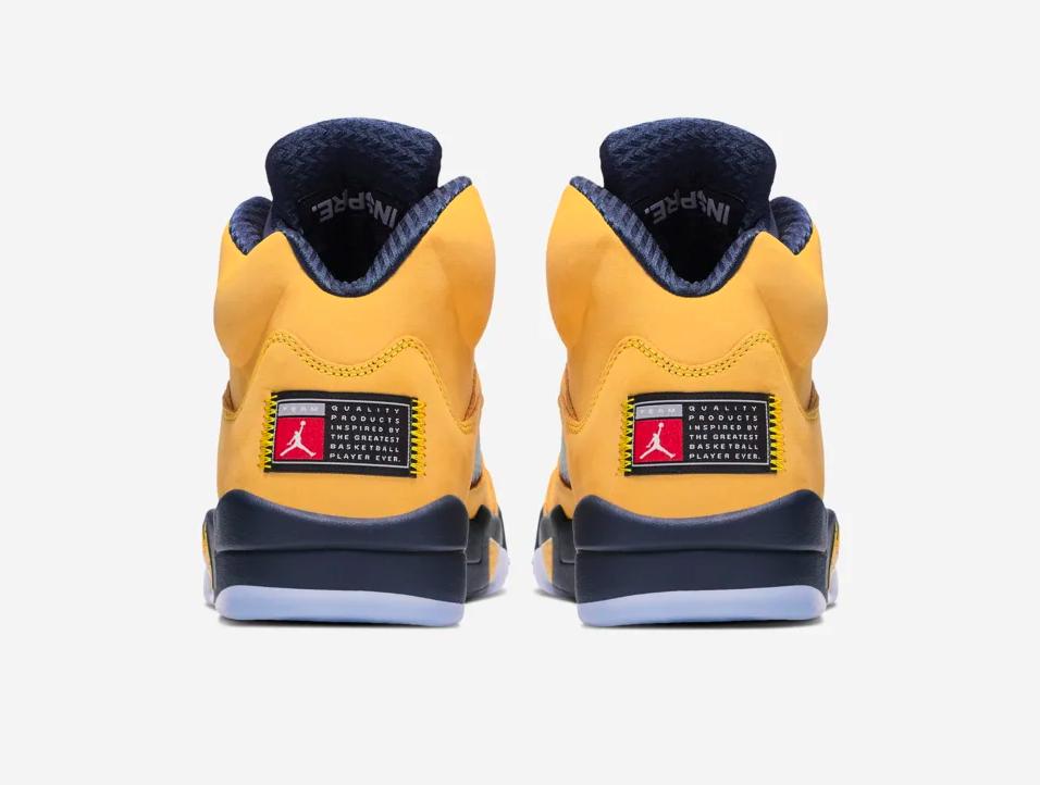 f:id:sneakerscaffetokyo:20190703162530p:plain