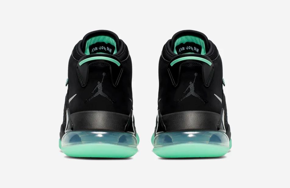 f:id:sneakerscaffetokyo:20190705133209p:plain