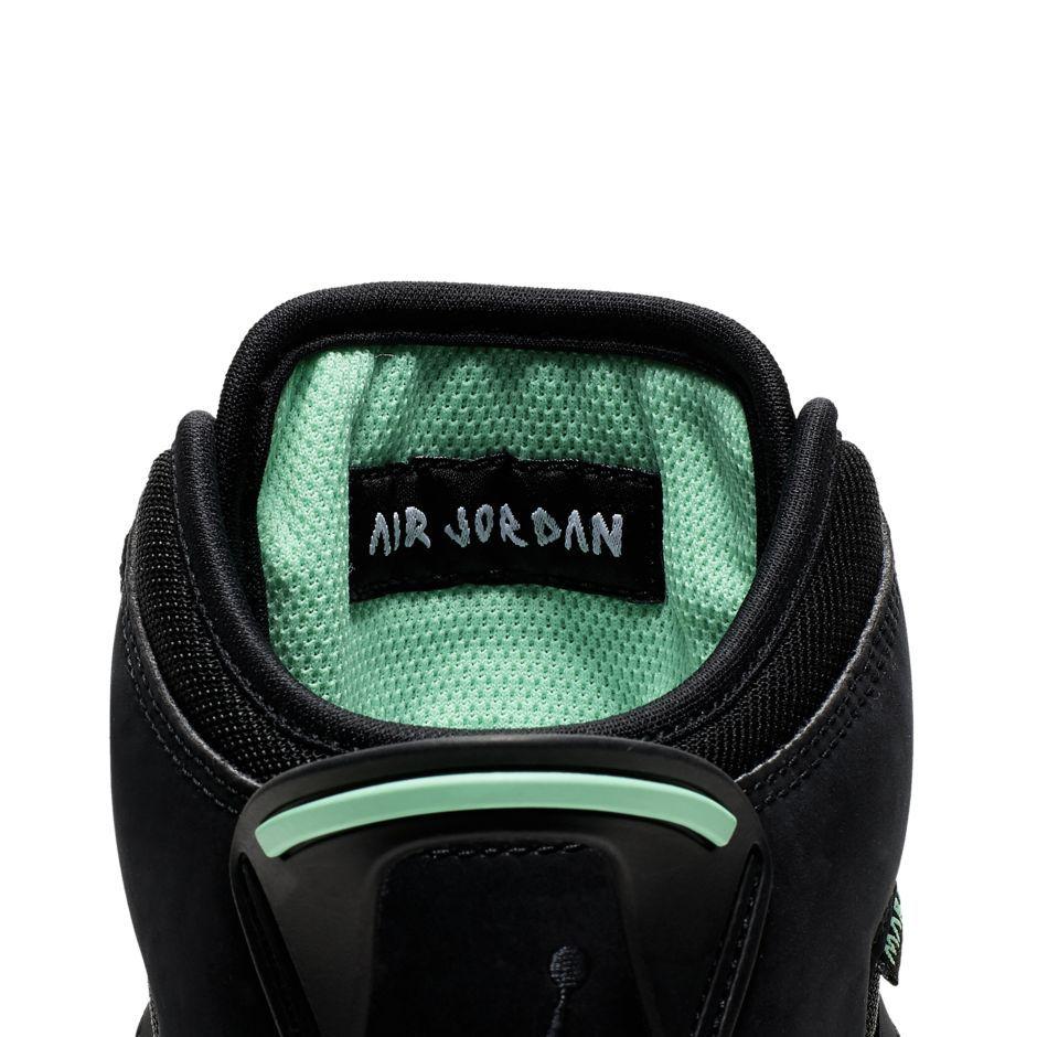 f:id:sneakerscaffetokyo:20190705133320j:plain