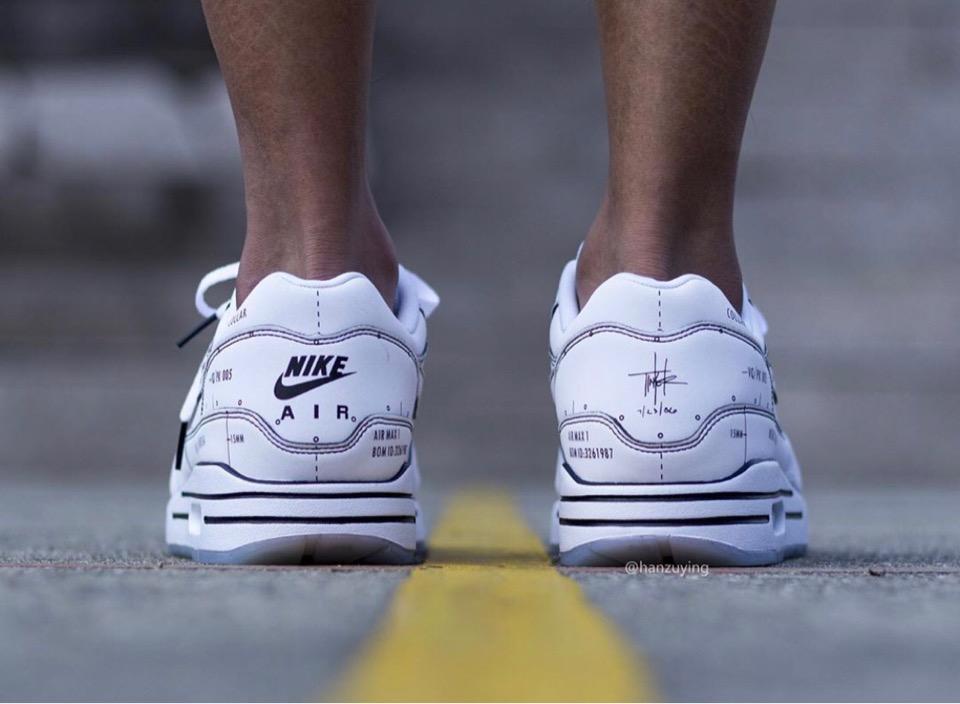 f:id:sneakerscaffetokyo:20190709090902j:plain