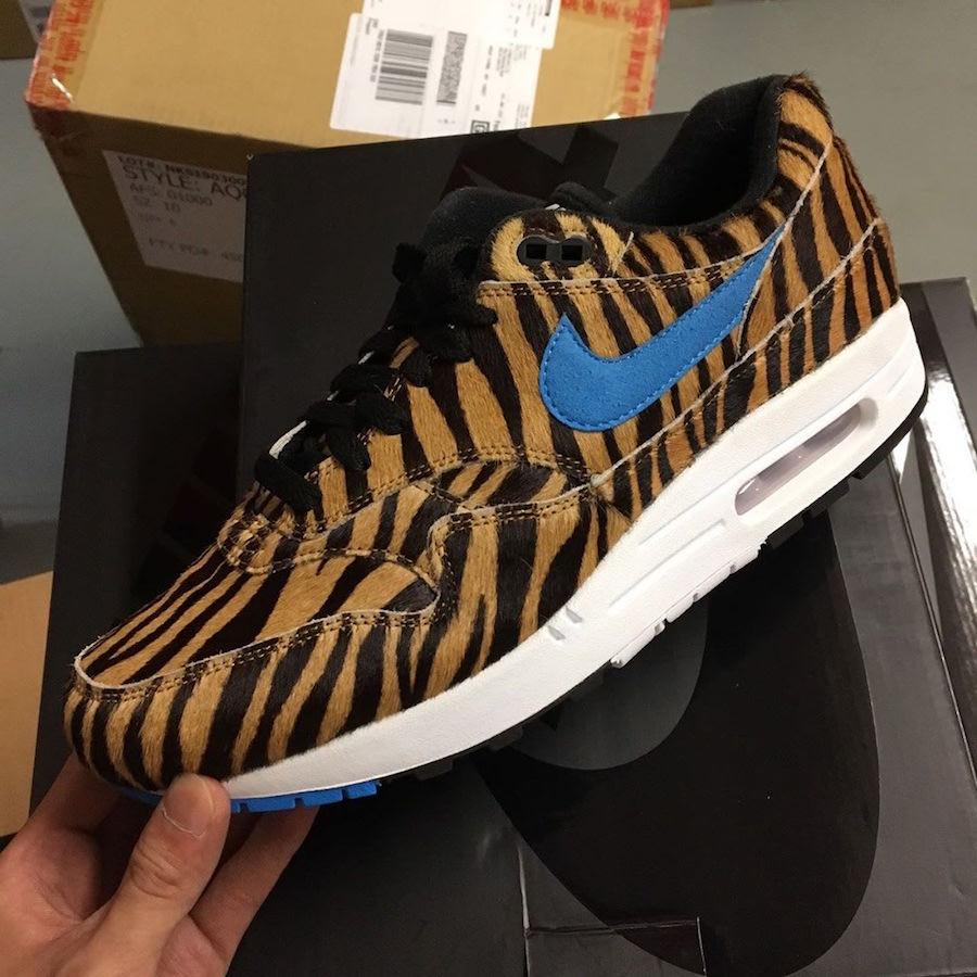 f:id:sneakerscaffetokyo:20190709192101j:plain