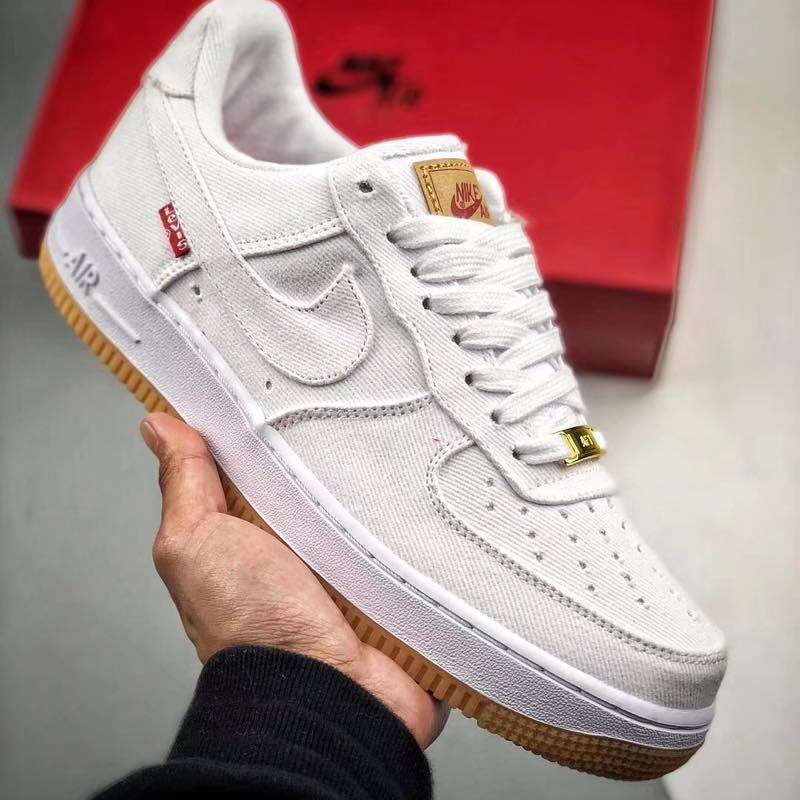 f:id:sneakerscaffetokyo:20190729122605j:plain