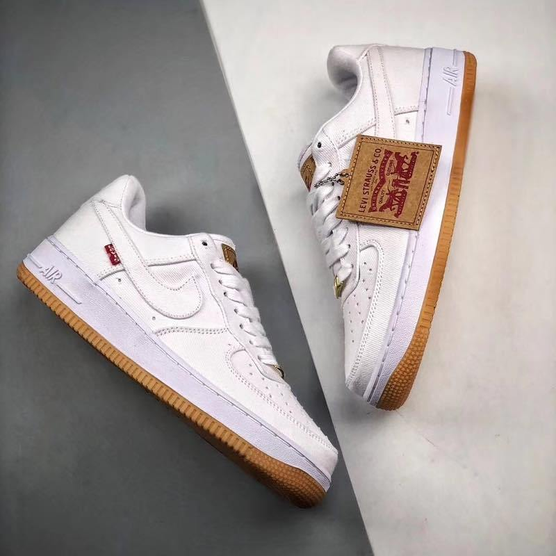 f:id:sneakerscaffetokyo:20190729122735j:plain
