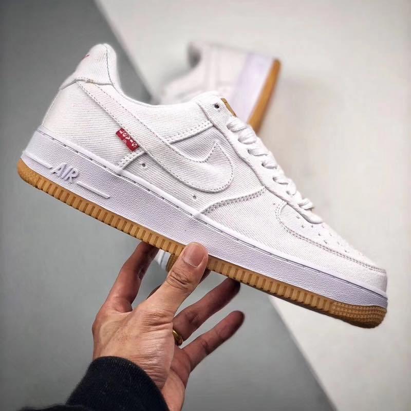 f:id:sneakerscaffetokyo:20190729122849j:plain