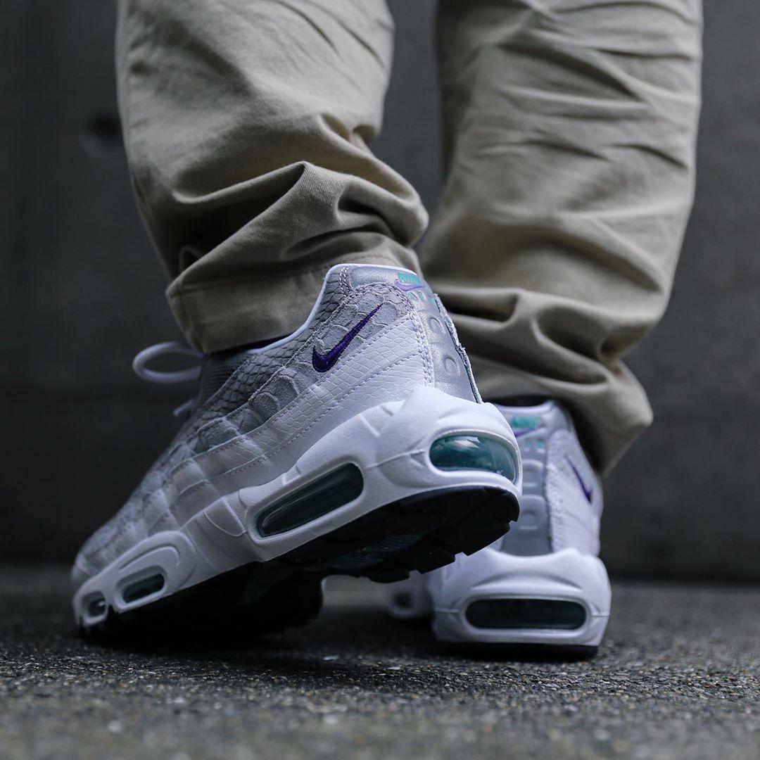 f:id:sneakerscaffetokyo:20190730093004j:plain