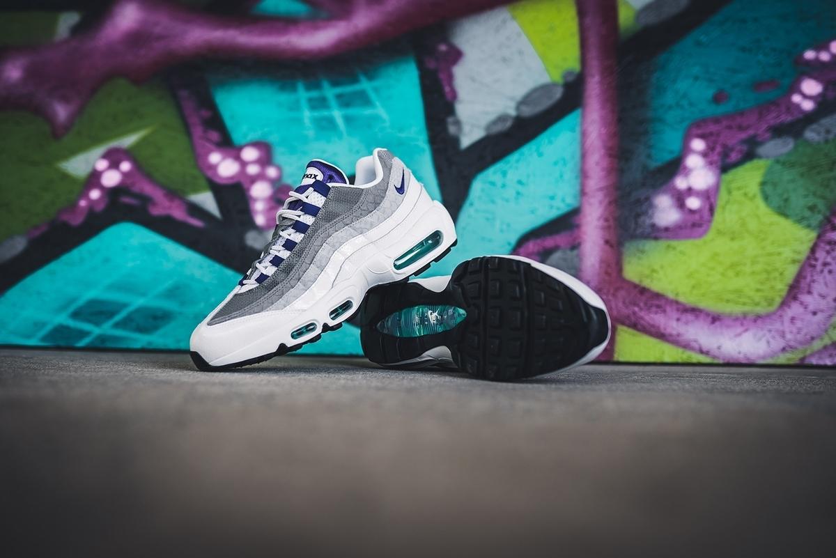 f:id:sneakerscaffetokyo:20190730093022j:plain