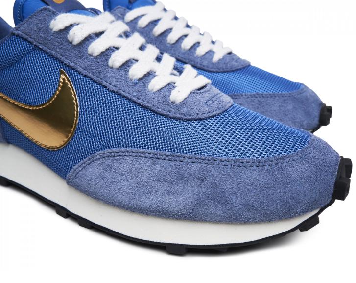 f:id:sneakerscaffetokyo:20190801074600p:plain