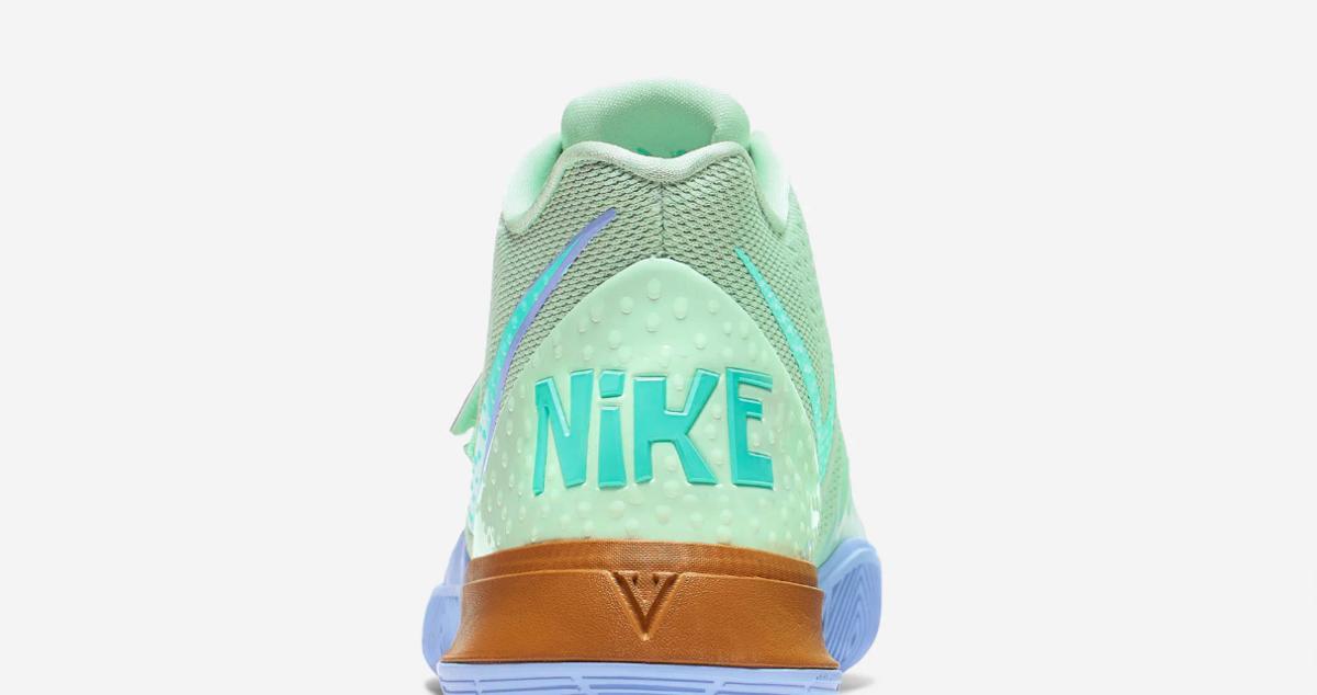 f:id:sneakerscaffetokyo:20190829084209p:plain