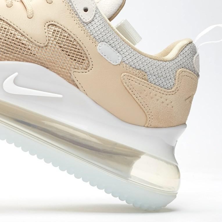 f:id:sneakerscaffetokyo:20190904085641j:plain