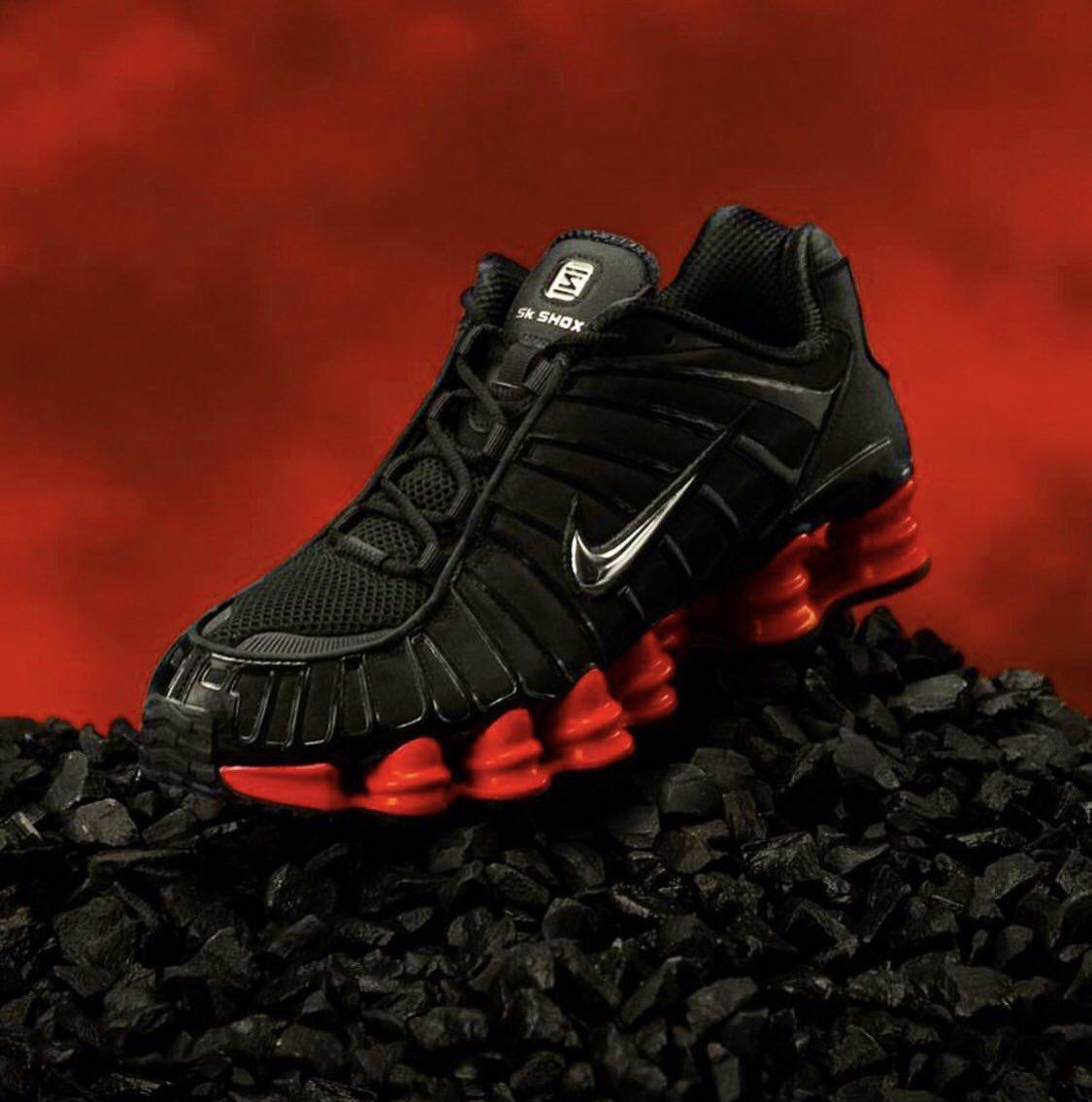 f:id:sneakerscaffetokyo:20190909101559j:plain