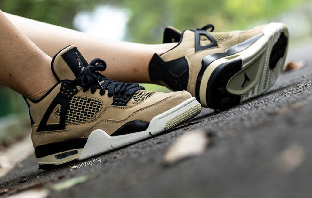 f:id:sneakerscaffetokyo:20190917104912j:plain