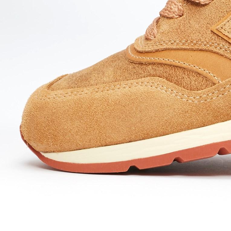 f:id:sneakerscaffetokyo:20190919095433j:plain