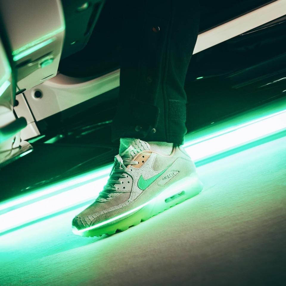 f:id:sneakerscaffetokyo:20190928093648j:plain
