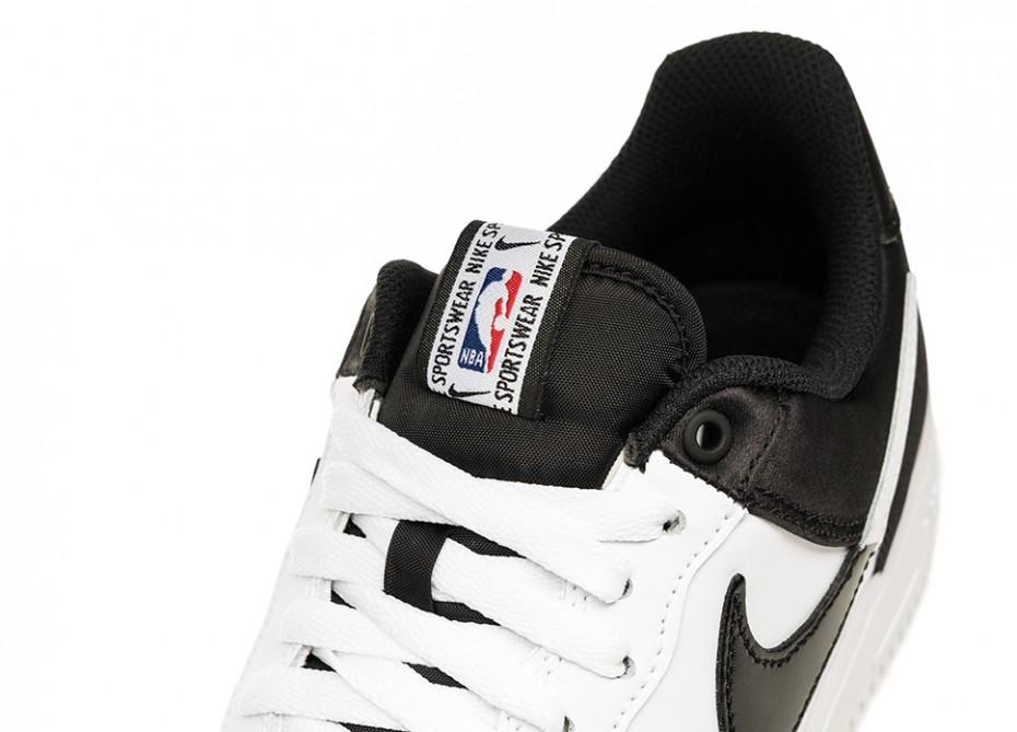 f:id:sneakerscaffetokyo:20191007082112j:plain