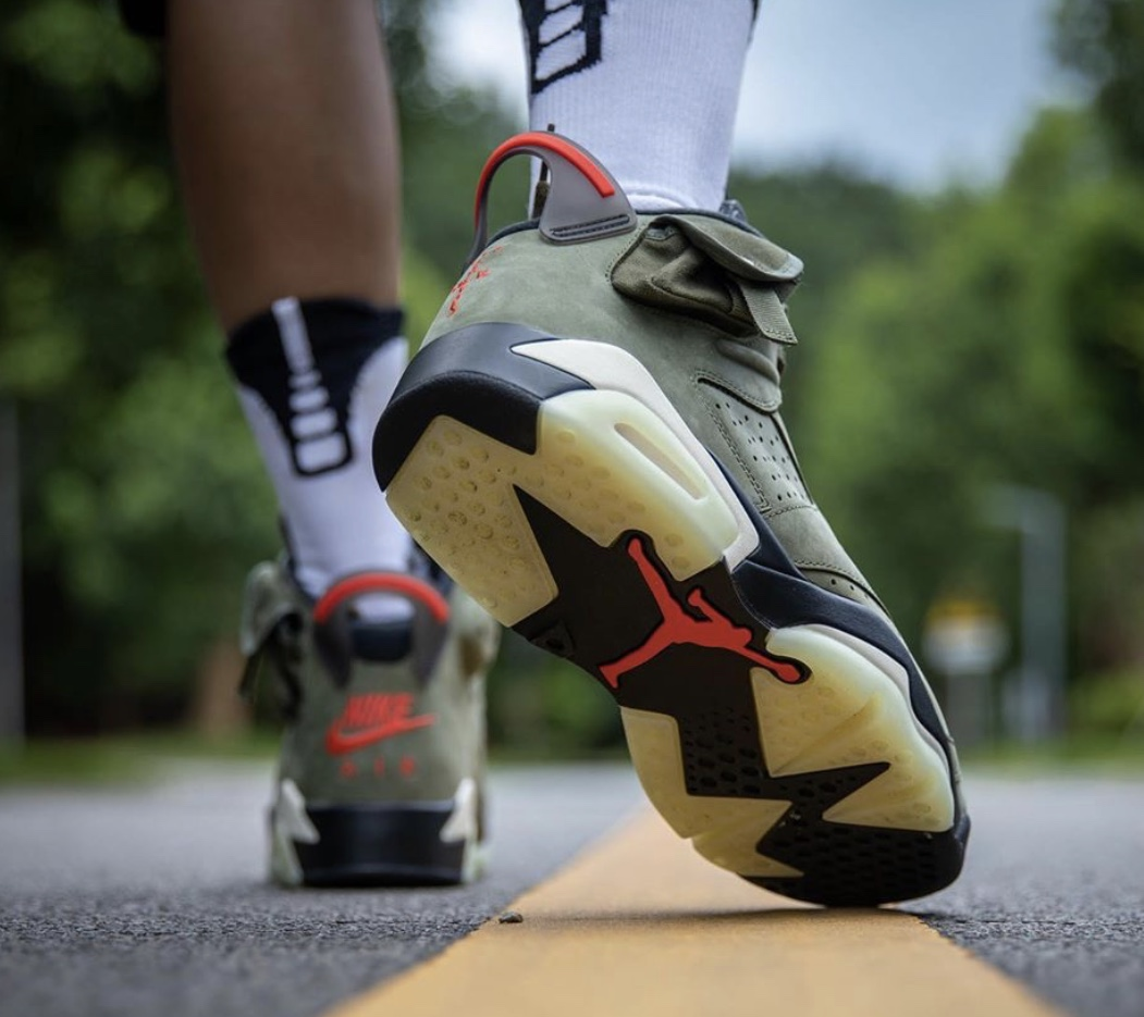 f:id:sneakerscaffetokyo:20191009175239j:plain