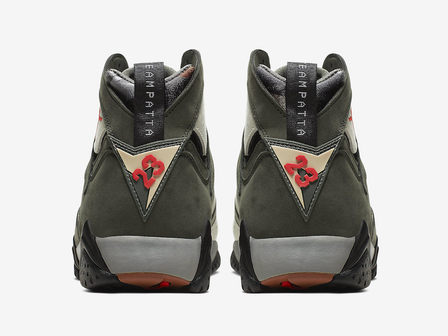 f:id:sneakerscaffetokyo:20191017085613j:plain