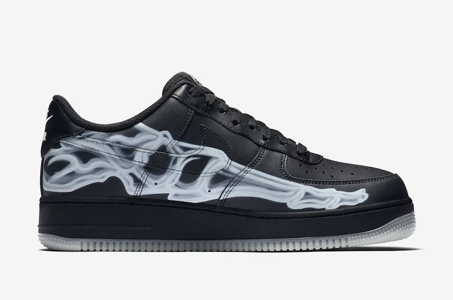 f:id:sneakerscaffetokyo:20191021184001j:plain
