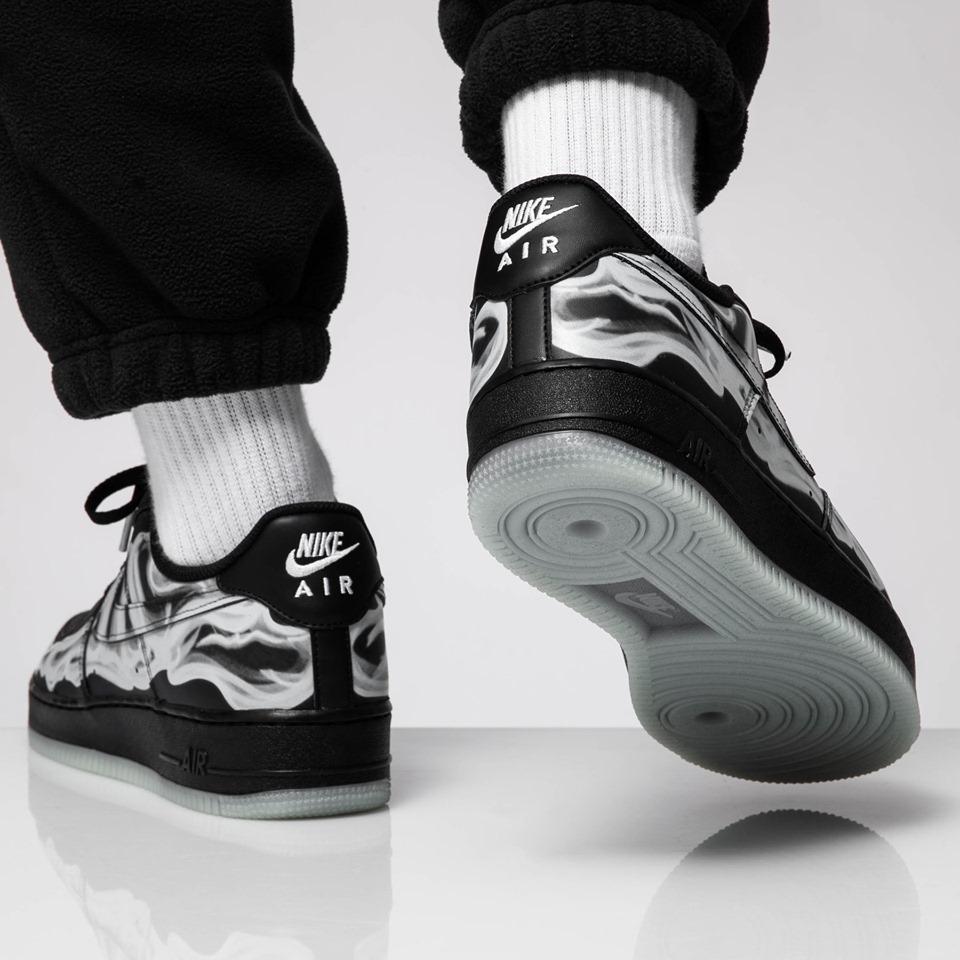 f:id:sneakerscaffetokyo:20191021184303j:plain