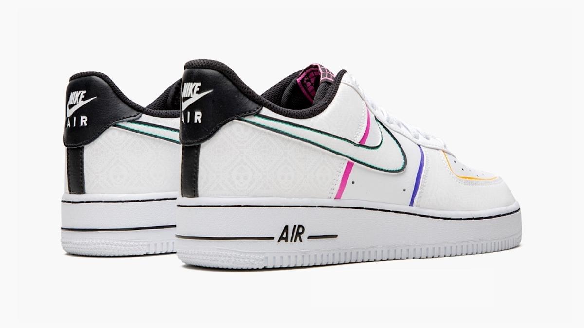 f:id:sneakerscaffetokyo:20191023191343j:plain