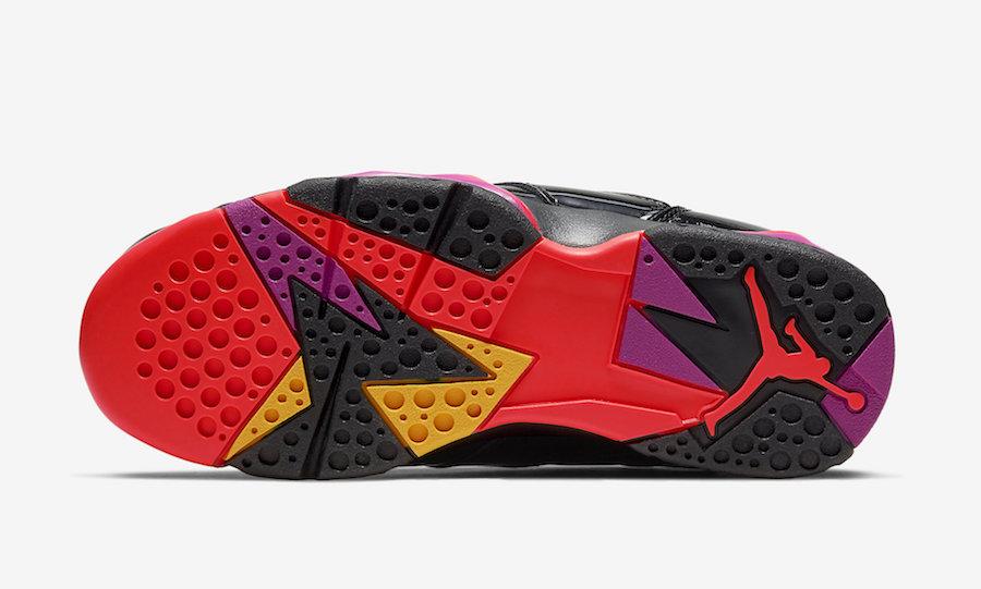 f:id:sneakerscaffetokyo:20191029141842j:plain