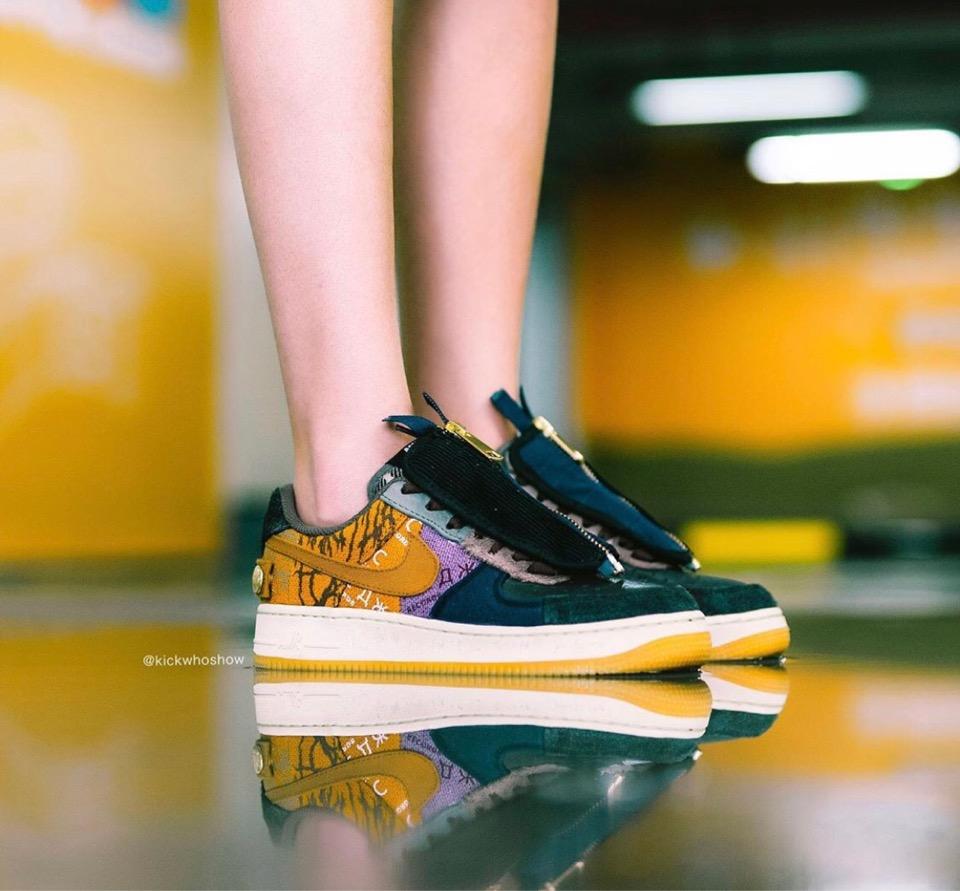 f:id:sneakerscaffetokyo:20191101094142j:plain