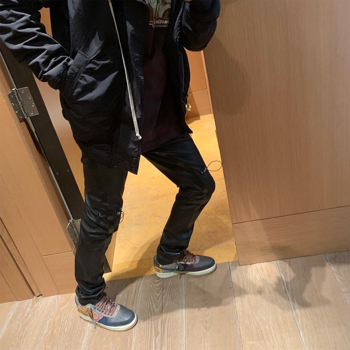 f:id:sneakerscaffetokyo:20191101094348j:plain