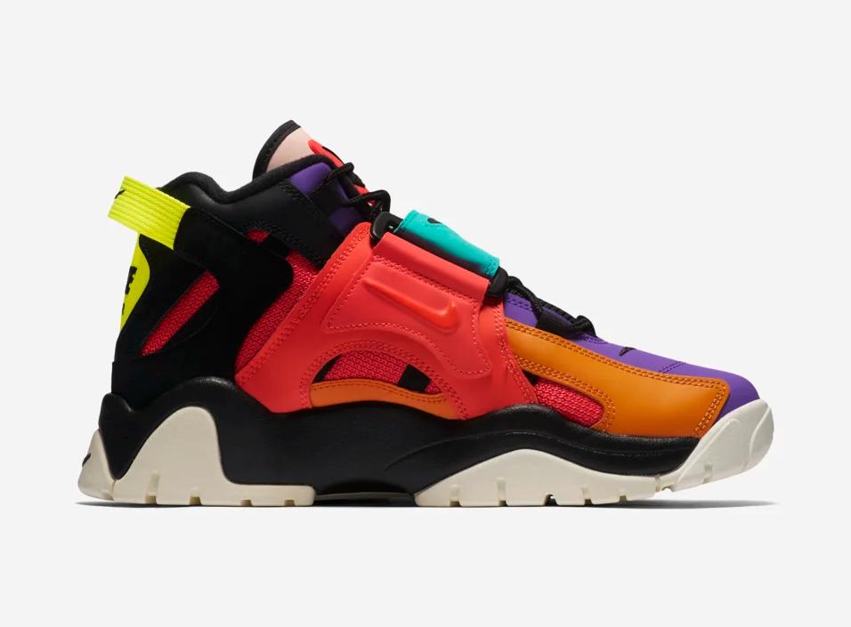 f:id:sneakerscaffetokyo:20191106174459p:plain