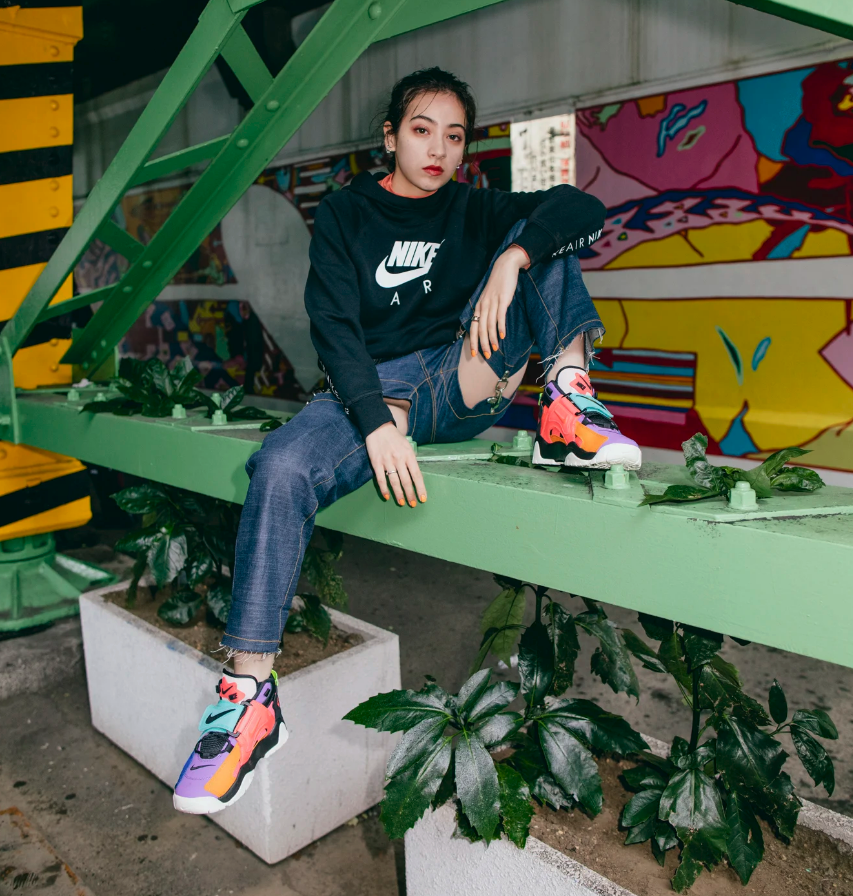 f:id:sneakerscaffetokyo:20191106174646p:plain