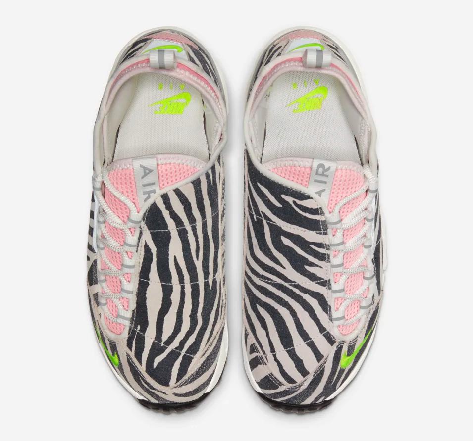 f:id:sneakerscaffetokyo:20191107183818p:plain