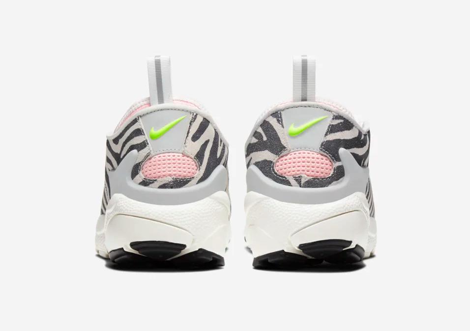 f:id:sneakerscaffetokyo:20191107183843p:plain