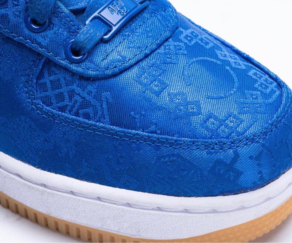 f:id:sneakerscaffetokyo:20191108075600j:plain