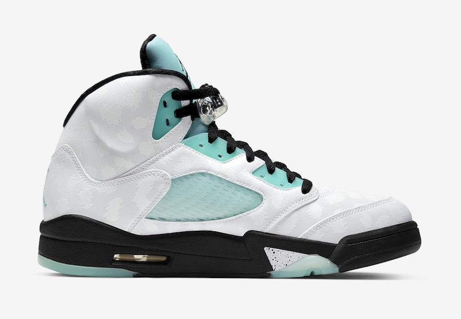 f:id:sneakerscaffetokyo:20191108145644j:plain