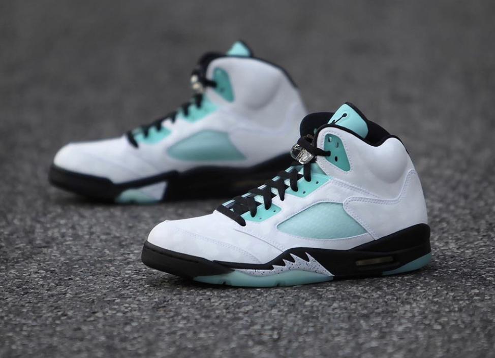 f:id:sneakerscaffetokyo:20191108150037j:plain