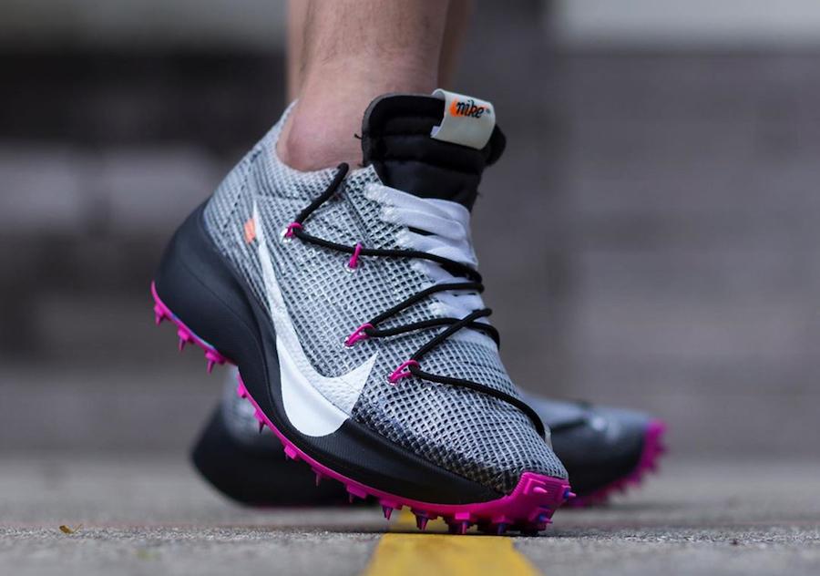f:id:sneakerscaffetokyo:20191111102600j:plain