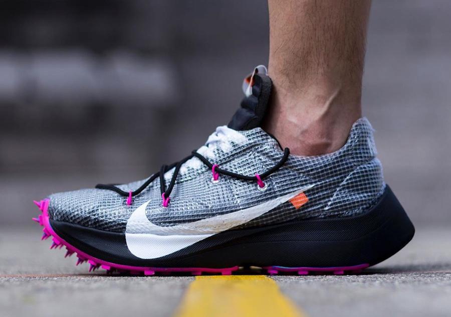 f:id:sneakerscaffetokyo:20191111102646j:plain