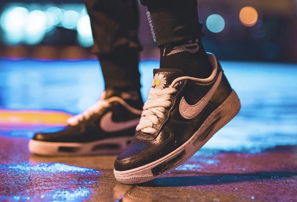 f:id:sneakerscaffetokyo:20191116082437j:plain
