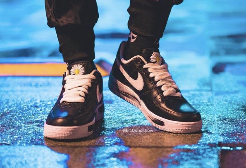 f:id:sneakerscaffetokyo:20191116082448j:plain