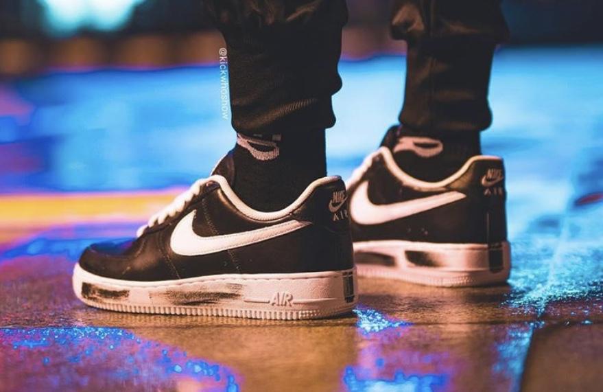 f:id:sneakerscaffetokyo:20191116082458j:plain