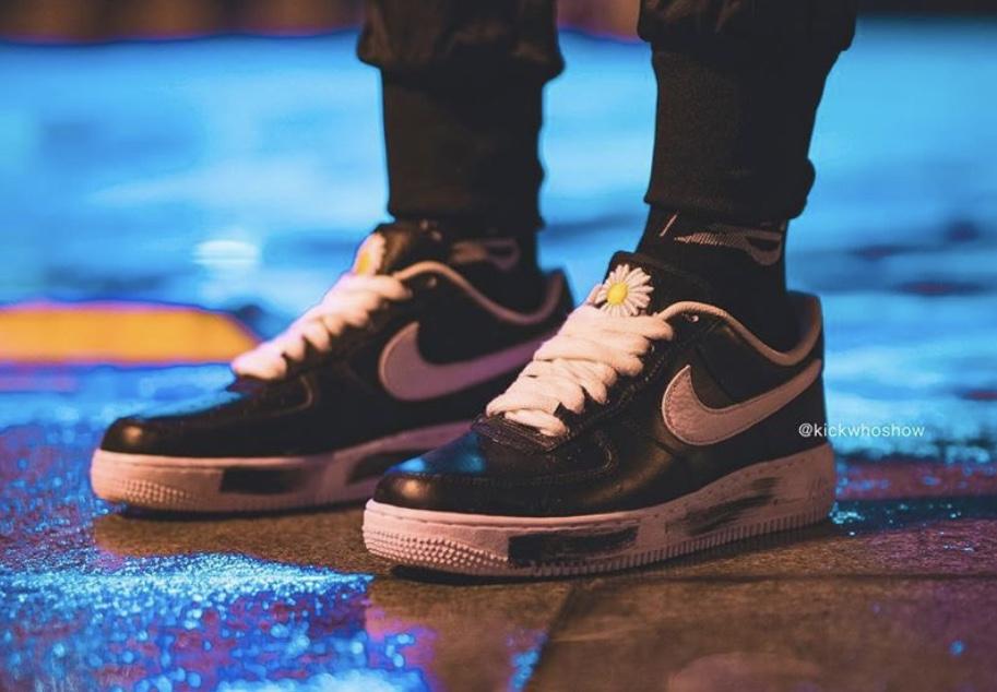 f:id:sneakerscaffetokyo:20191116082511j:plain