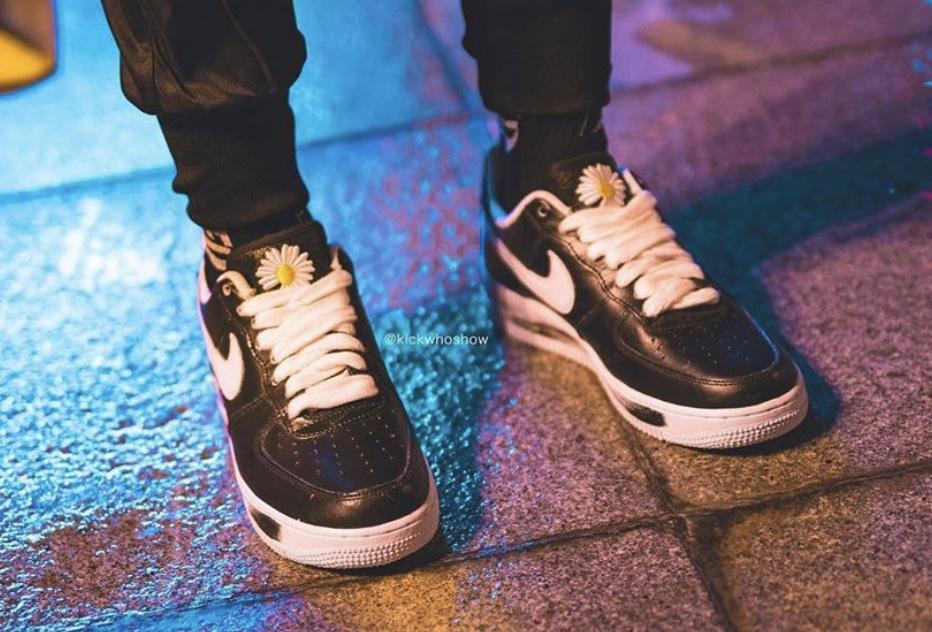 f:id:sneakerscaffetokyo:20191116082522j:plain