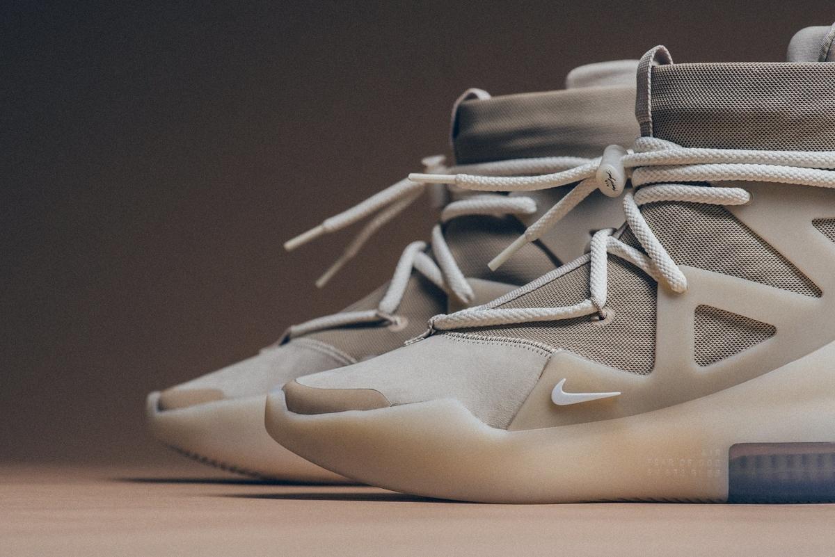 f:id:sneakerscaffetokyo:20191118102330j:plain