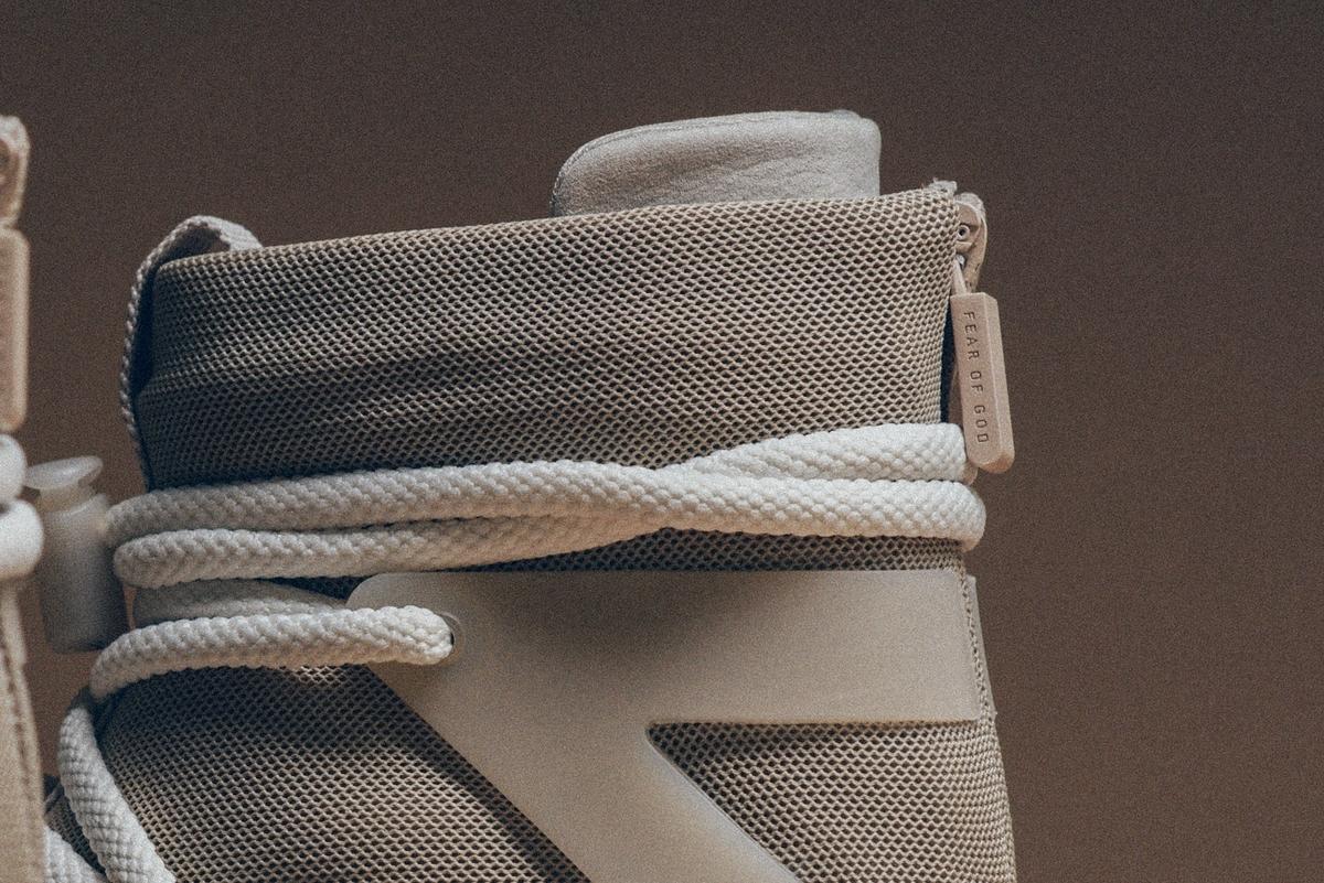 f:id:sneakerscaffetokyo:20191118102413j:plain
