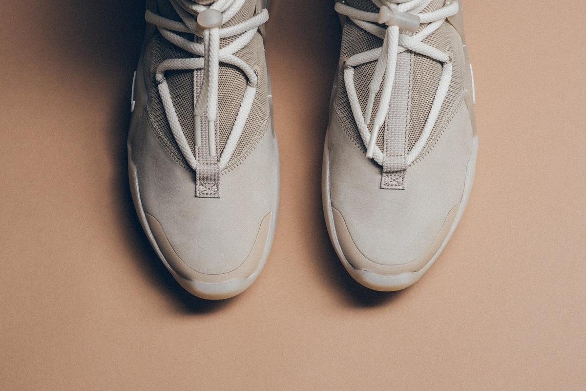 f:id:sneakerscaffetokyo:20191118102559j:plain