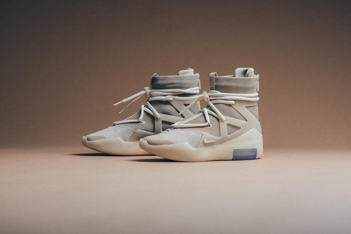 f:id:sneakerscaffetokyo:20191118102642j:plain