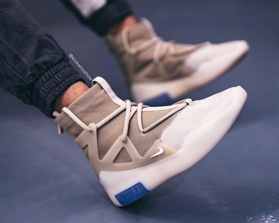 f:id:sneakerscaffetokyo:20191118102834j:plain