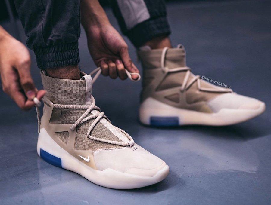f:id:sneakerscaffetokyo:20191118102846j:plain