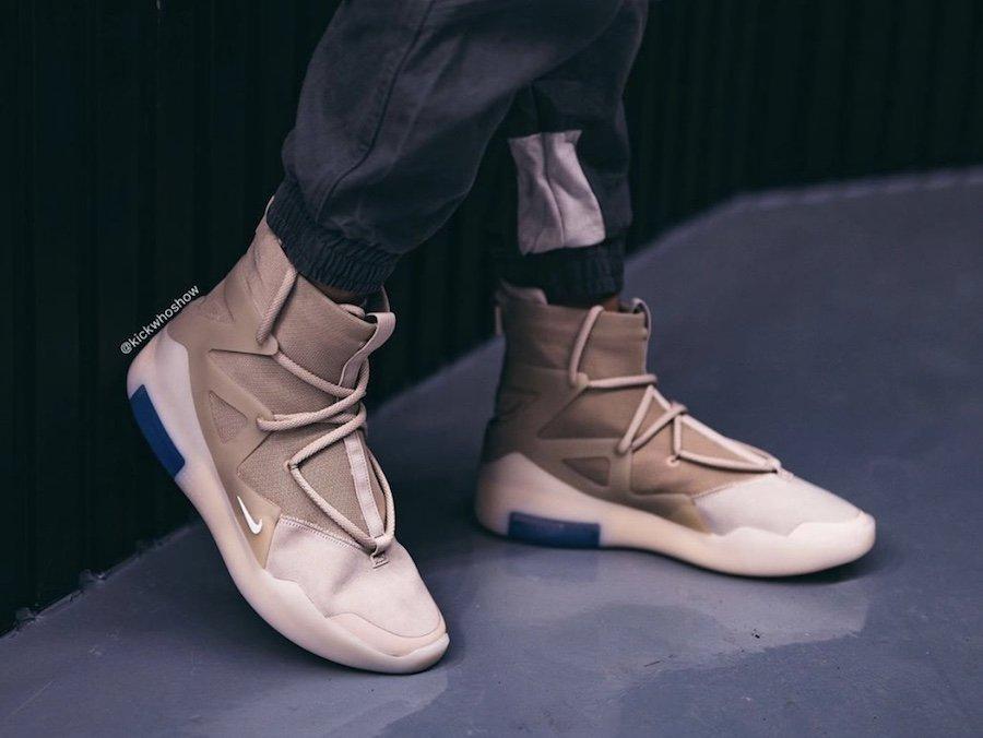f:id:sneakerscaffetokyo:20191118102907j:plain