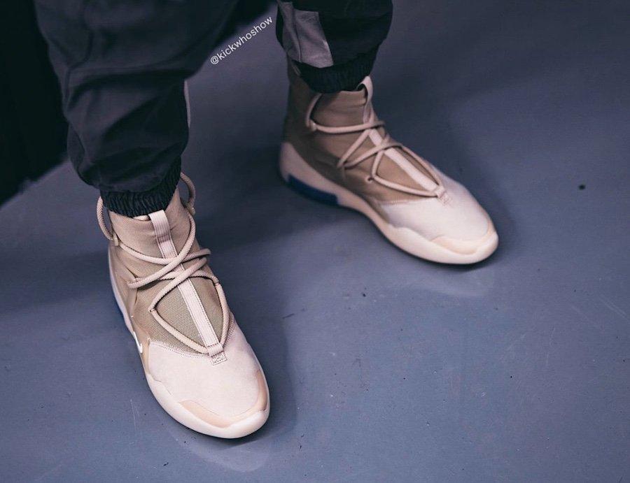 f:id:sneakerscaffetokyo:20191118102950j:plain